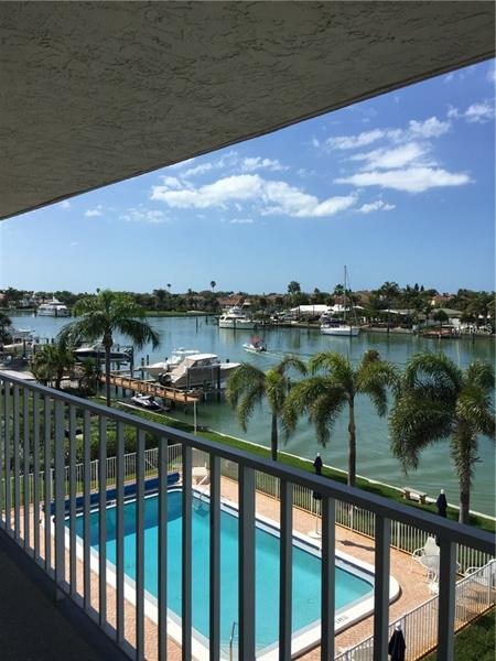 340 PINELLAS BAYWAY S Unit305